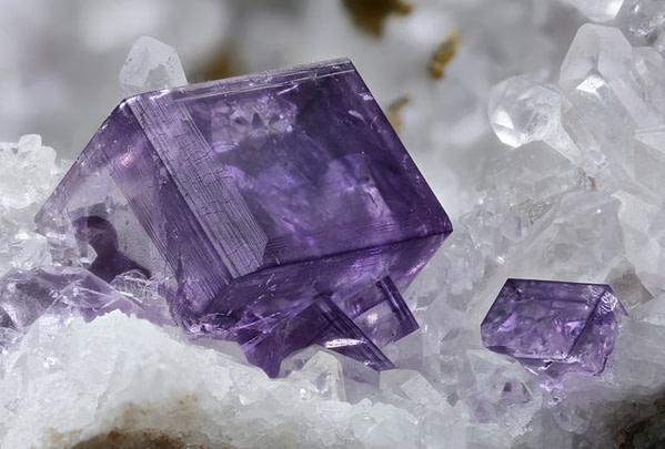 fluorite mineral 652050409 585166cb3df78c491e1241b3